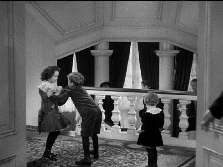 Anna karenina anna karenina 1935 ciakhollywood - La tavola degli ufficiali ...